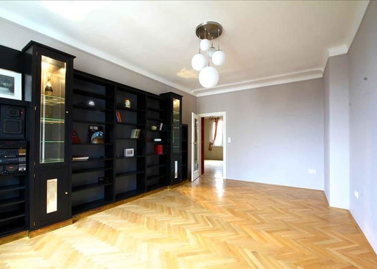 Centrally located city apartment for sale