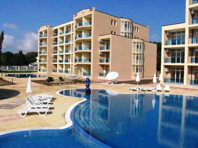 Spacious 2-bedroom apartment in Semiramida Gardens, Sunny Beach, 300 m to the beach